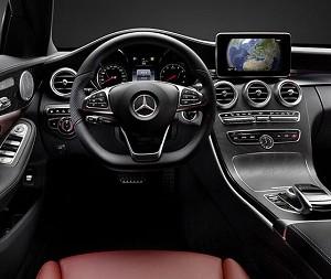 Mercedes Benz busca un lugar entre el público joven y crea 'Mercedes Me'